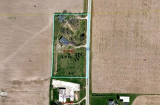Sandusky Co. Big Ranch & Outbuilding on 4.12 Acres!