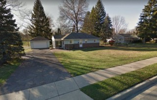 Reynoldsburg House with 1.5 Acres