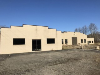 Jackson Co. Industrial Property with over 13,250 SF