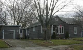 Marysville Home in quiet neighborhood